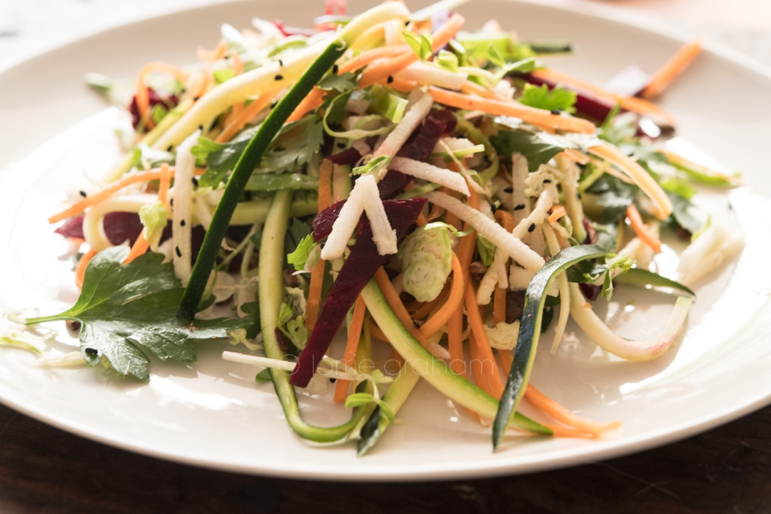This is a lovely light raw vegetable salad, with a delicious honey dressing from the book Alimentari .